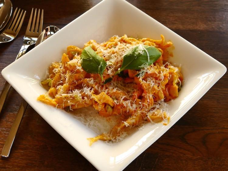 tobi-rbblauf5-pasta-paprika-creme