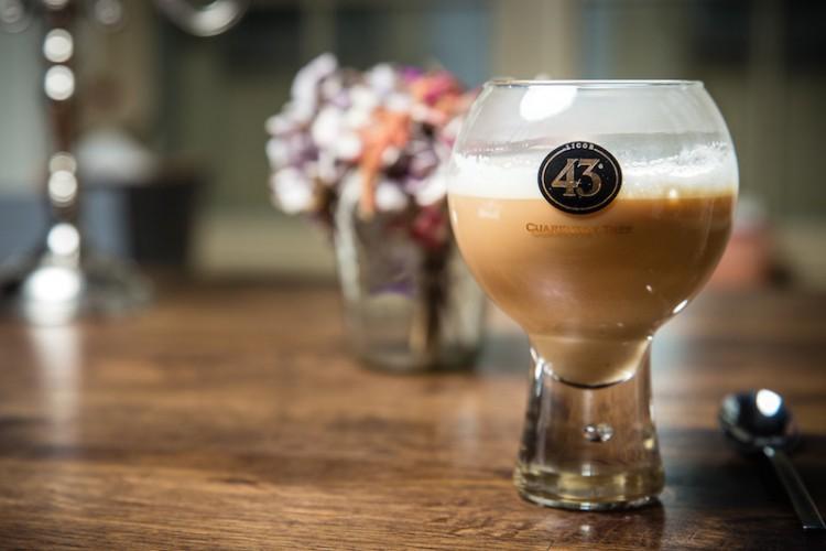 Espresso mit Licor 43